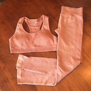 Forever 21 sport bra/ leggings set size S